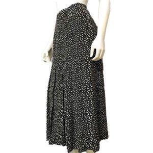 Adrienne Vittadini   Black   Silk Pleated Skirt